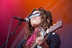 Miss Valerie June op